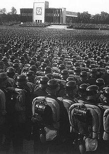 220px-Reichsparteitag_1935_mod